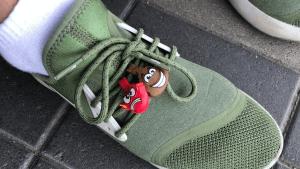 Скрепыш на кроссовках